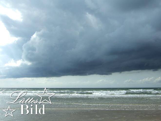 Wolke ueber Wasser_660x495